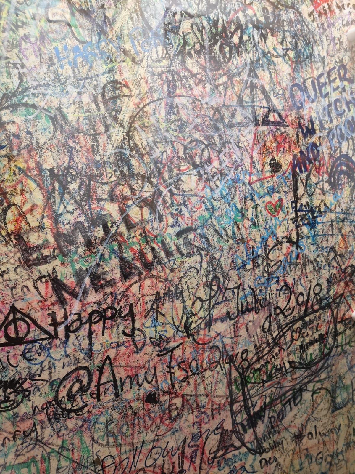 frases - pared - pintada - escrituras