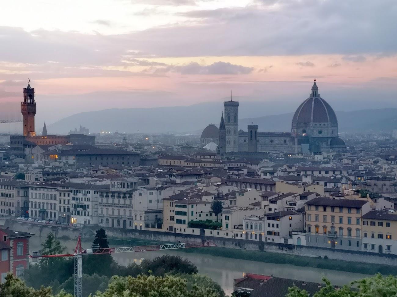 Florencia - amanecer - torre - palacio - cúpula - rio