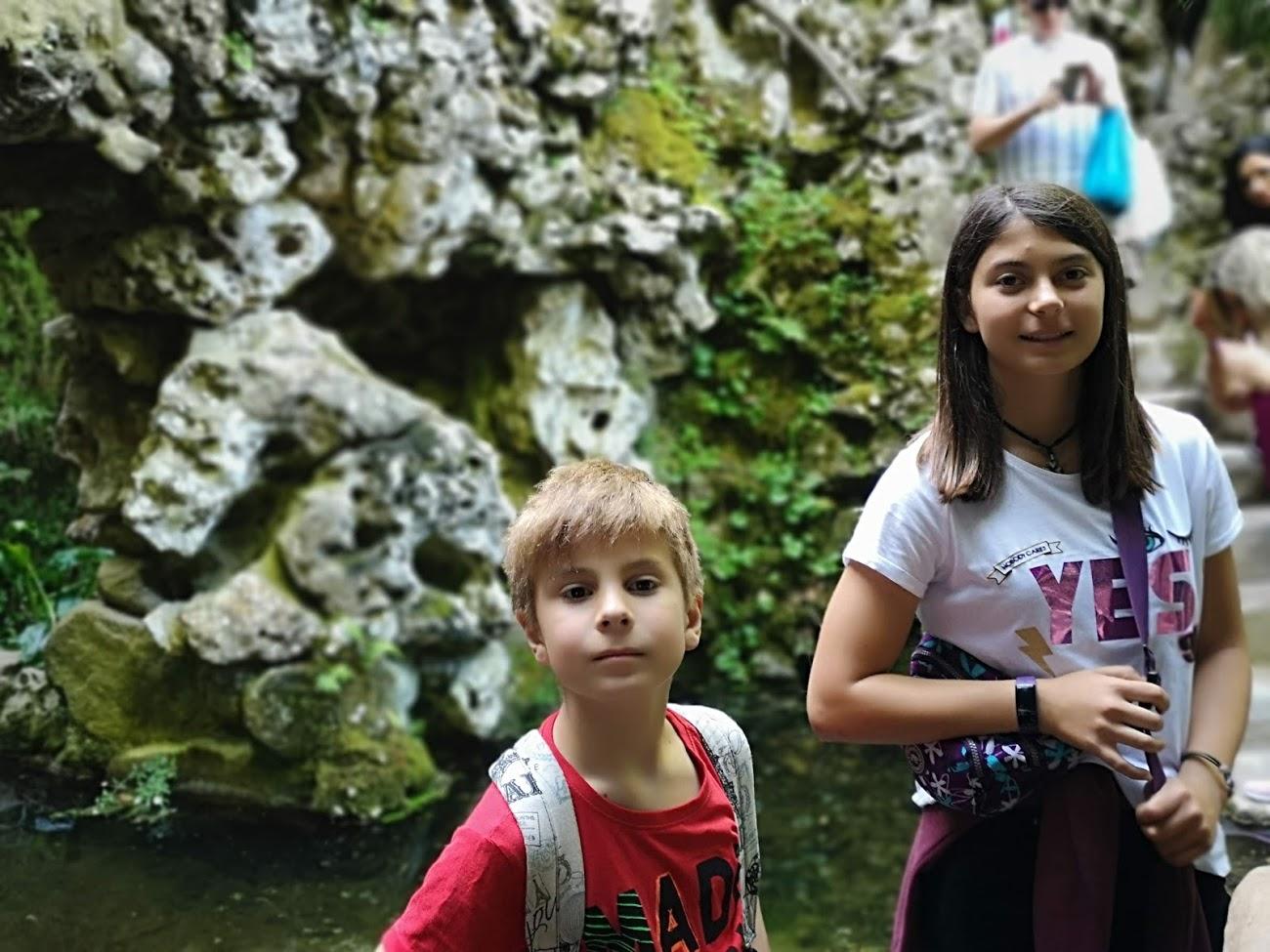 Sintra- parque nacional - rocas - niños