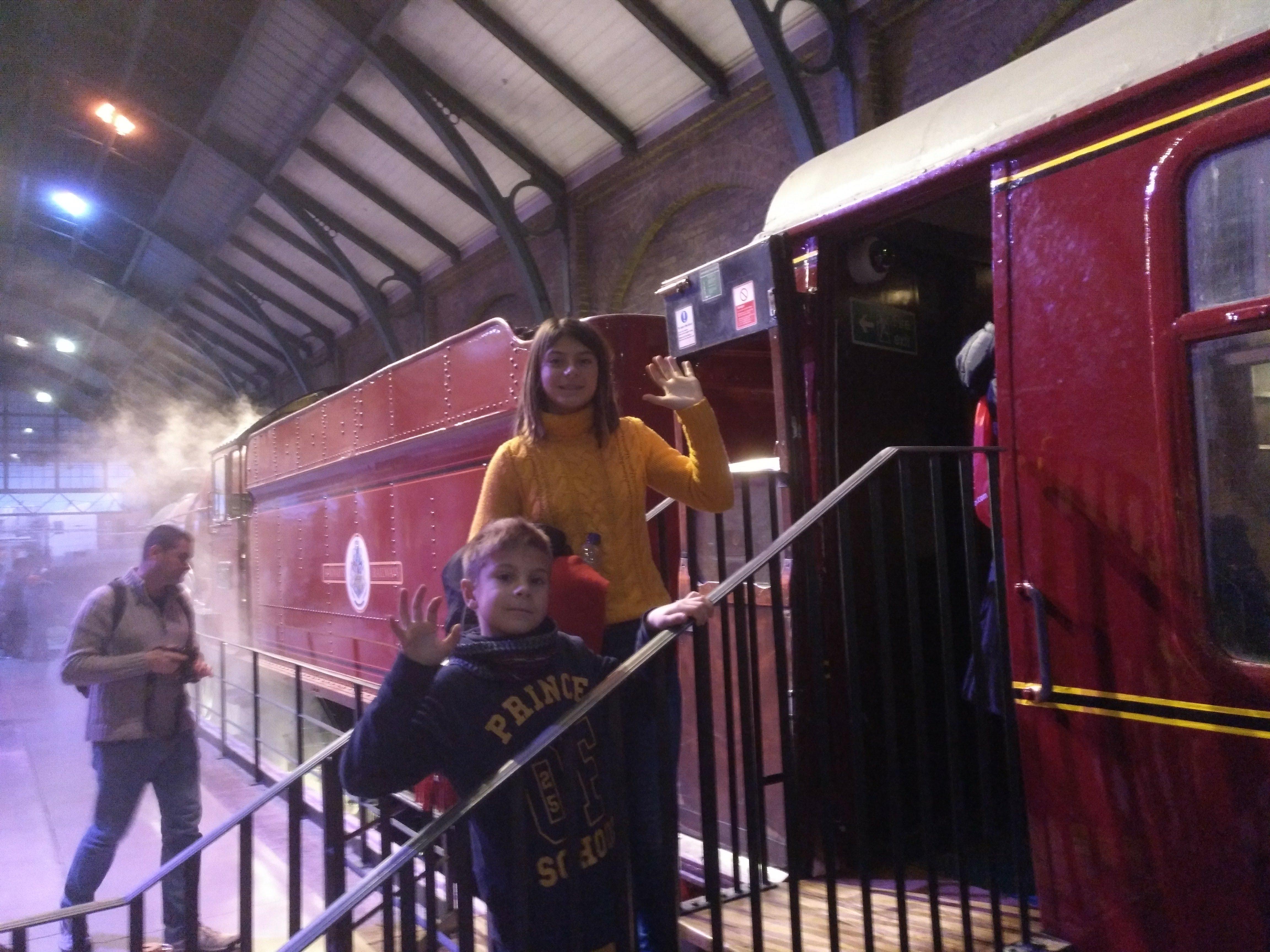 harry potter studios - tren - vapor - niños - estación
