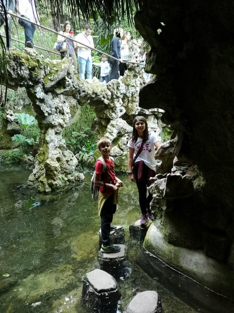 gruta - lago - cueva - roca - ahua